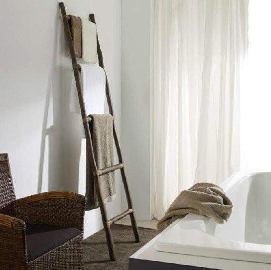 Toallero de bambú para el baño
