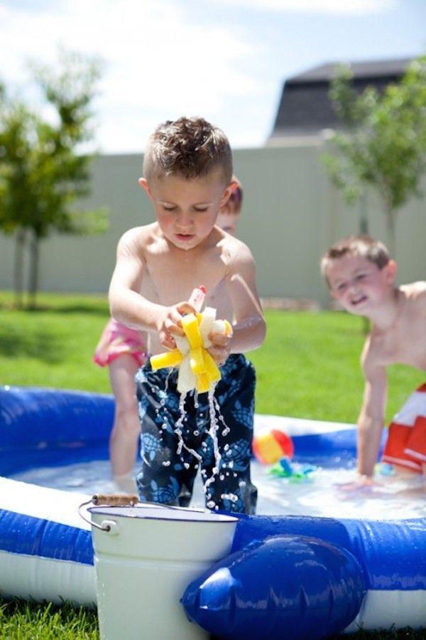 Batalla de esponjas con agua