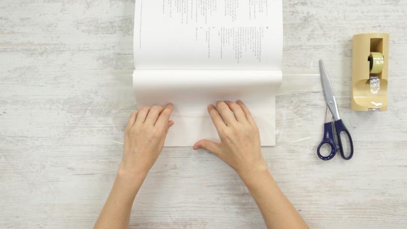 Continua con la parte trasera del libro