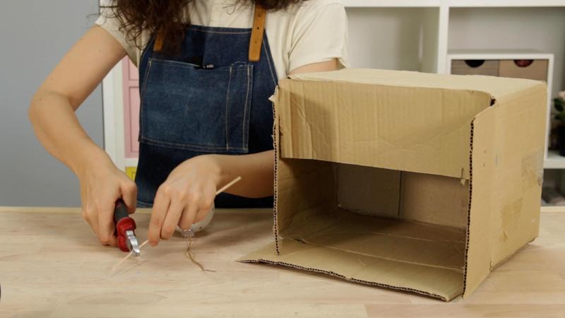 Una caja para ayudarte a pintar con spray objetos pequeños