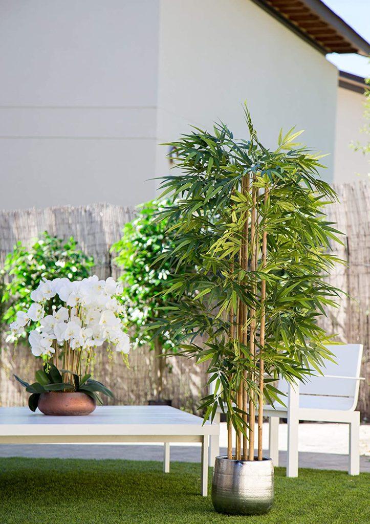 Cañas de bambú artificial en exterior
