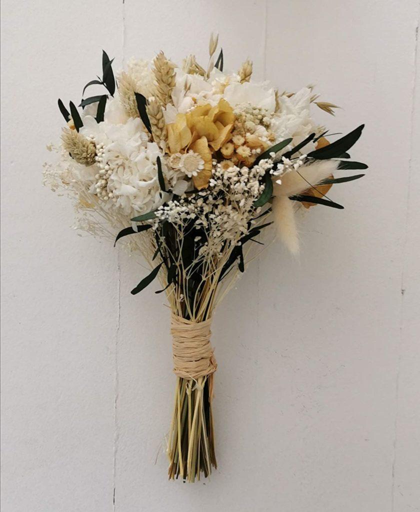 Flores en tonos tostados y ocres