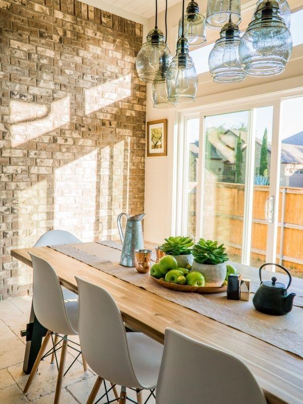 Mesa de cocina totalmente limpia y despejada