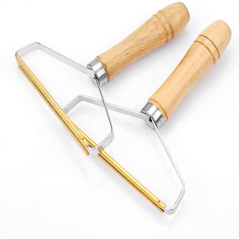 Navaja de afeitar con mango de madera Snungphur diseñada para uso manual.  Elimina la pelusa de forma eficaz.