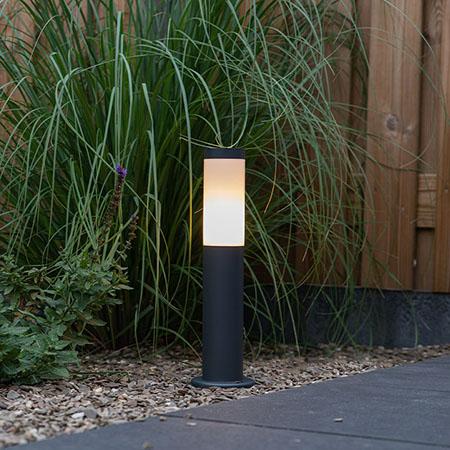 Baliza para iluminar rincones o entrada al jardín