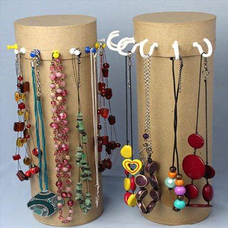 organizador de joyas con enganches de chinchetas para colgar collares o pendientes